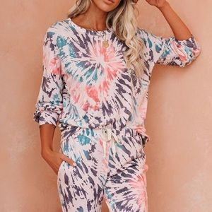 VICI Collection long sleeve tie dye top